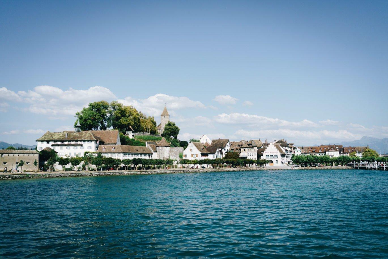 Rapperswil vom See aus